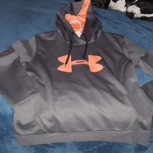 Womens size lrg Under Armour hoodie